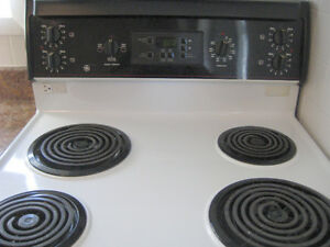 "LAST CHANCE! GE Black/White 30"" Electric Coil Range Kitchener / Waterloo Kitchener Area image 2"