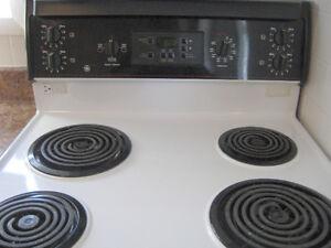 "GE Black/White 30"" Electric Coil Range Kitchener / Waterloo Kitchener Area image 2"