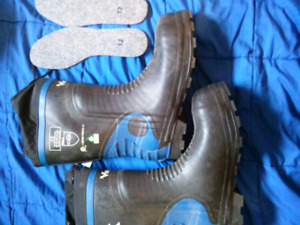 New Size 12 Viking class 2 chainsaw boots