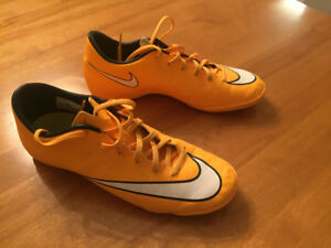 Nike Mercurial Indoor Soccer Shoes Adult Size 7