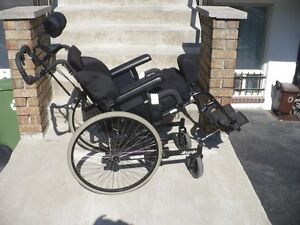 ***FAUTEUIL ROULANT - TANGO ORTHOFAB – WHEELCHAIR***