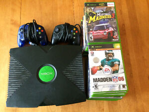 SELLING XBOX with 2 CONTROLLERS and TONS OF GAMES