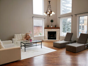 Room for Rent only Female - Central of Yonge/Sheppard