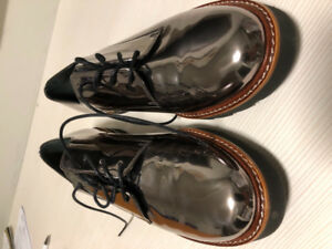 Stuart Weitzman Oxford shoes