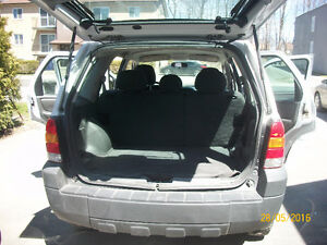 2005 FORD ESCAPE 4*4 AUTOMATIC 136000KM 4CYL 2.3L NO RUST 3250$
