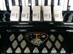 Titano Accordion
