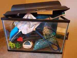 Fish tank (for one goldfish or more small fish)