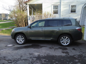 Highlander hybrid limited 2009 prestine condition