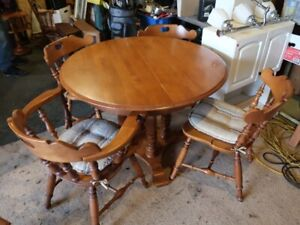Dining set, 2 leaves and 4 chairs