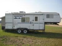 2005 Travelaire 25 Foot 5th Wheel Trailer