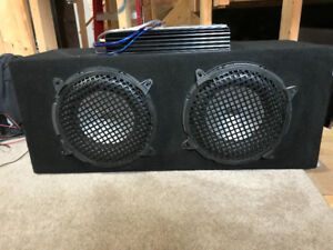 "10"" Clarion Speaker Box with 400watt Amp"