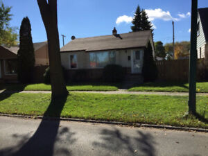 Great Bungalow For Rent!