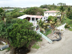 Secluded private Chalet Oceanfront Estero Beach