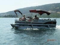 21 ft sun tracker Pontoon boat