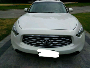 White Infiniti Fx35  LOW KM!! ONLY 77000