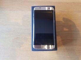 Samsung Galaxy S7 Edge (Gold) Unlocked + Gear VR Headset £375