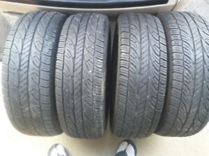 4 pneus été Bridgestone sur rimes.