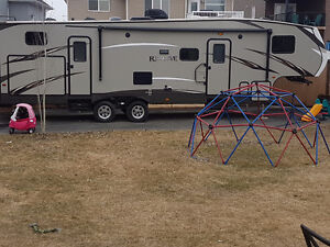35ft bunk house RV for rent