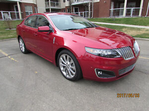 2012 LINCOLN MKS   11,000 KMS!!!