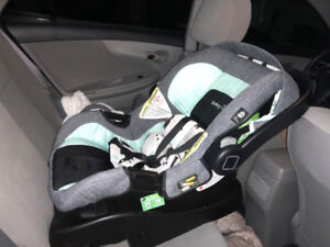 Safety1st Smooth Ride Travel System (Car seat, stroller) 90% new