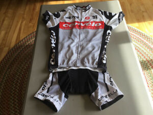 Cycling jersey and bib shorts Size: Jersey Medium/Shorts Small