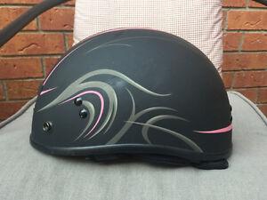 Woman's motorcycle helmet Cambridge Kitchener Area image 1