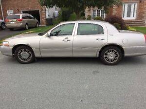 2007 Lincoln Town Car Sedan $2500 OBO