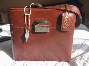 Vintage - Sac Photo cuir brun avec une clé