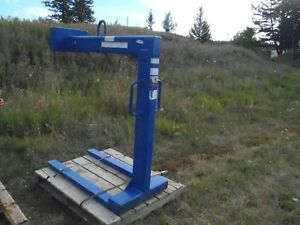 New unused 2014 4000# Pallet Forks for crane Williams Lake Cariboo Area image 1