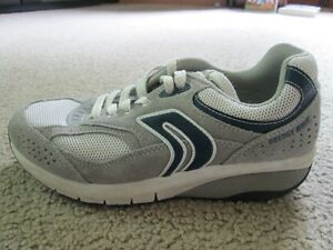 """GEOX running shoes """"energy walk' Youth Size 5"""