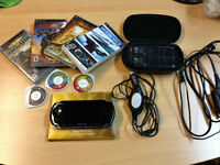 Mint Condition PSP 3000 (HACKED) Free Games + Case  original