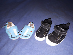 2 Pair Baby Boys Sneakers/Shoes Size 3/6mts EUC