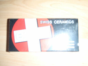 Bones Ceramic Berrings - New