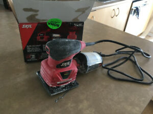 SKIL Electric Sander, 2 amp
