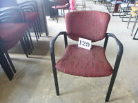Chaise empilable #129