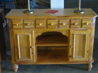 *** Beaux Buffets style antique ou moderne. ***