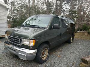 2002 Ford E-350 Van