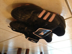 Soccer cleats - size 13