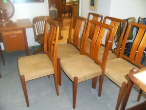 TEAK MID CENTURY DINING CHAIRS