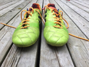 soccer cleats 8.5 Adidas