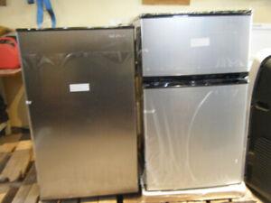 New Stainless Bar Fridge/Freezer Fridge And Freezer 5.0 Cu.Ft.