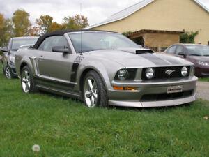 Convertible Mustang GT À Vendre