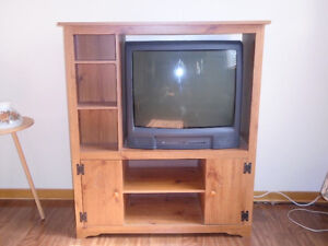 BEAUTIFUL ENTERTAINMENT TV CABINET FOR SALE