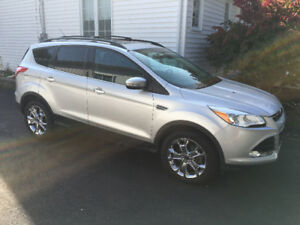 2013 Ford Escape SEL 2.0 with Nav and Pano Sunroof