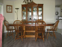 Oak Table with 3 leaves