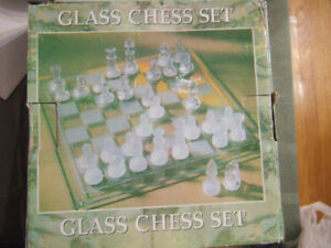 small glass chess set, 1318