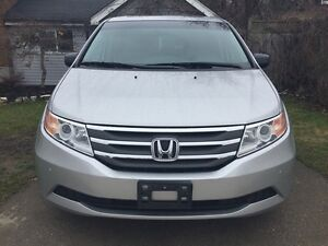 2012 HONDA ODYSSEY EX-L * LEATHER * PWR ROOF * REAR CAM * DVD  London Ontario image 9