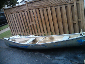 canoe no leaks has engine with battery, charger lights and air