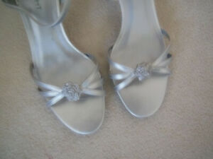 Ladies Silver Sandals - Size 8 1/2