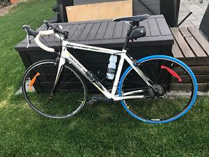 Vélo de route Rocky Mountain peu utilisé...clé en main!!!